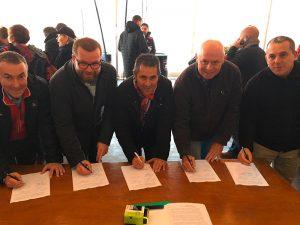 La signature de la convention Interclubs